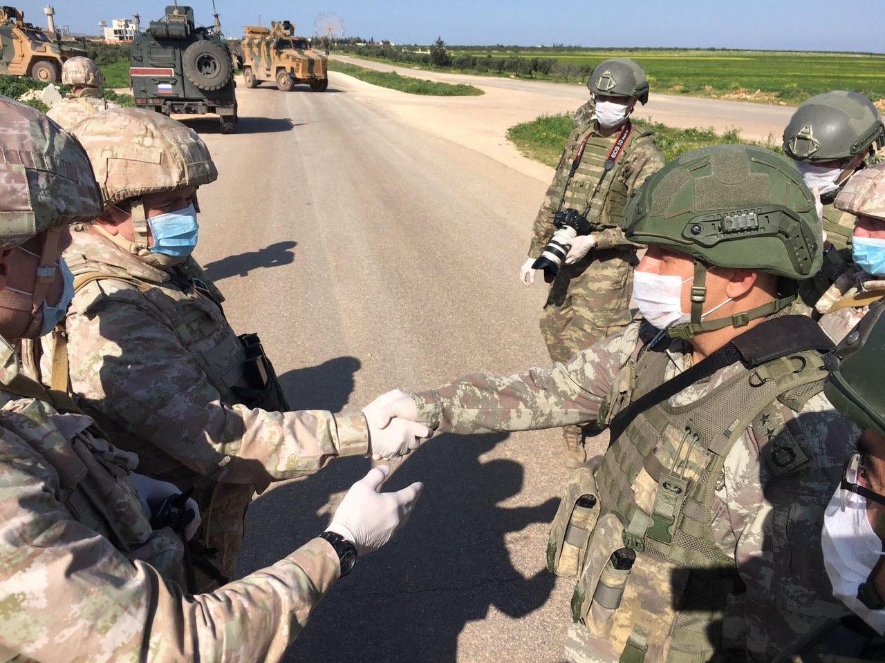 Serakab_Siriya_Tret'e_sovmestnoe_rossijsko-tureckoe_patrulirovanie_uchastka_trassy_M-4.Ill.2