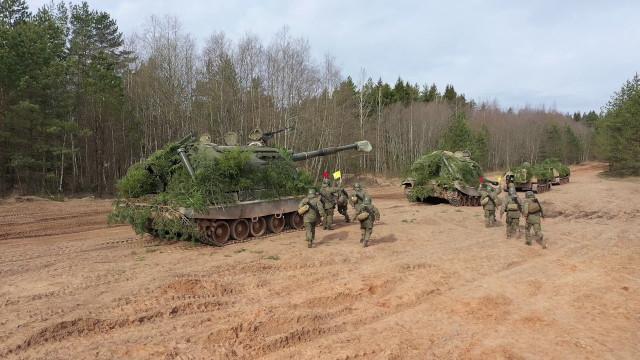 Strelby-artillerijskih-podrazdelenij-obshchevojskovoj-armii-ZVO-v-Leningradskoj-oblasti. Press-sluzhba ZVO