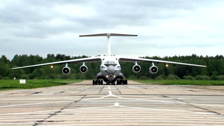 Il76-s-burilnoy-ustanovkoy-na-bortu-v-murmanskuyu-oblast